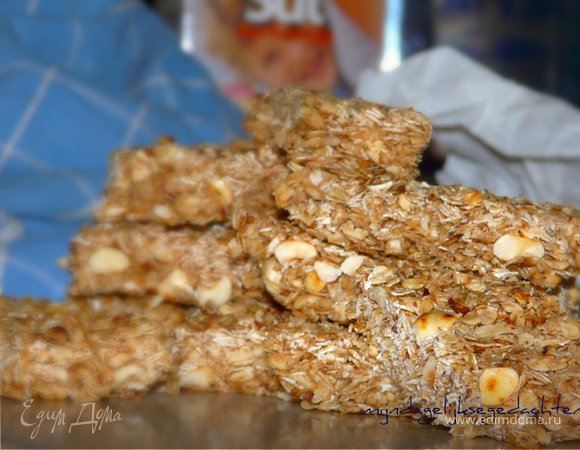 Овсяные батончики с орехами без выпечки