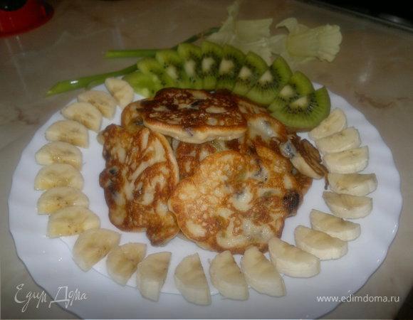 Сырники банановые с изюмом
