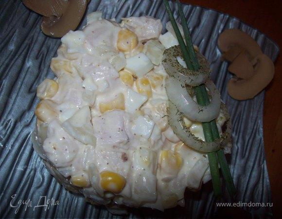 Салат с курицей и белым перцем