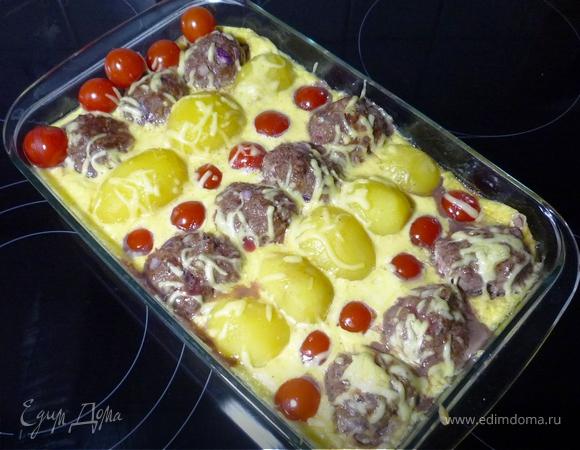 Картофельная запеканка с тефтелями и томатами черри