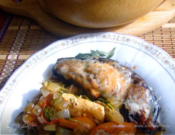 Курица под баклажанами