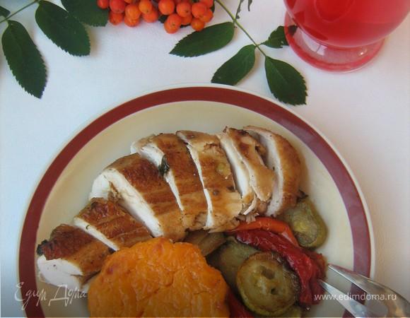 """Запечённая курица с травами, тыквенным крем-брюле и овощами """"Осенняя рапсодия"""""""