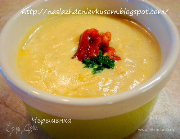 Крем-суп с грибами и беконом