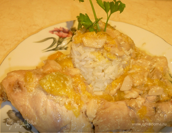 Запеченная курица с тыквой и грибами.