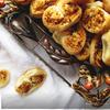 Слоеные ушки с брынзой и грецкими орехами