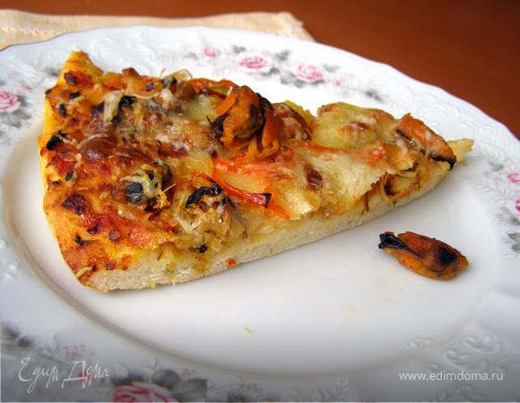 Пицца с мидиями, перцем и пореем
