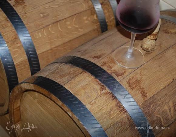 Цесарка в красном вине с сельдереем