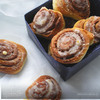 Булочки Cinnabon с корицей и сладкой глазурью