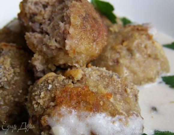 Фрикадельки из индейки со сметанно-ореховым соусом