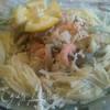 Треска в горчичном соусе с креветками и зеленью