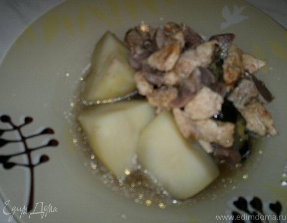 Картофель с тушеным баклажаном, имбирем и мясо птицы