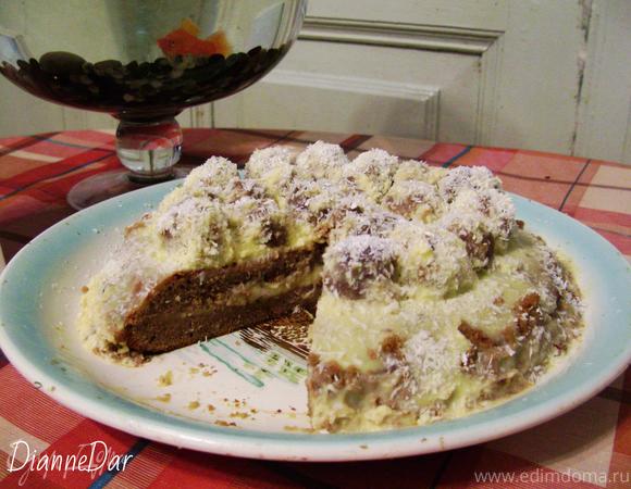 Шоколадный бисквитный торт с заварным кремом и кокосовыми шариками