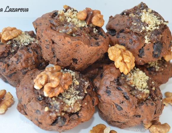 Шоколадные кексы с ореховой начинкой