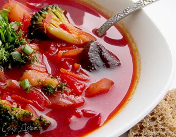 Вегетарианский борщ с грибами и брокколи