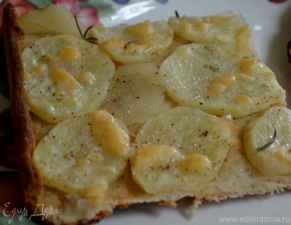 Картофельная пицца с розмарином