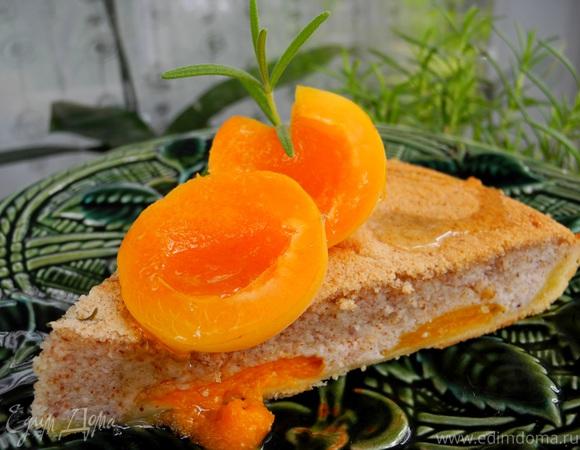 Абрикосовый пирог с миндальным кремом
