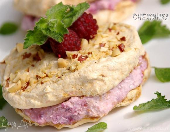Пирожное-безе со сливочно-творожно-малиновым кремом