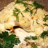 Карась, запеченный в сметанном соусе с гречневой кашей