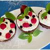 Шоколадные корзинки с ягодами и сливочным кремом