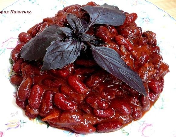 Фасоль по-итальянски с томатами и чесноком