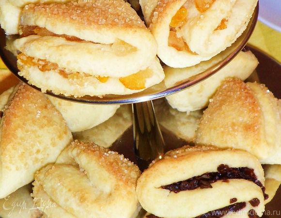 Простое творожное печенье с цукатами, орехами, шоколадом