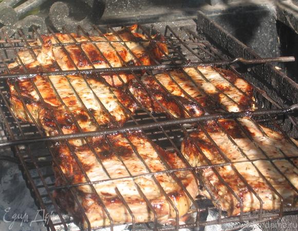 Маринованная в катыке свиная корейка с соусом из слив
