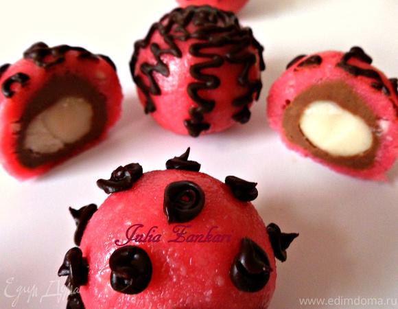 Домашние конфеты из макадамии, нуги, марципана и шоколада (Для Вениамина - короля десертов)