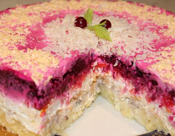 """Назад в СССР: Закусочный торт """"Сельдь под фруктово-овощной шубой"""""""