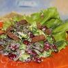 Салат из фасоли, грибов и зелени