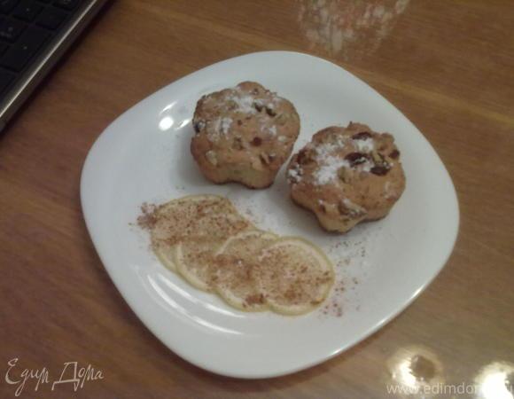 Творожные маффины с изюмом и грецким орехом