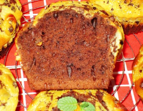 Шоколадные маффины с миндалем и сливочным сыром