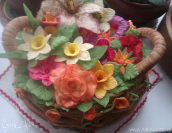 Торт бисквитный с ягодным муссом и двумя волшебными кремами. На Папин День рождения