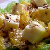 Салат с сыром эмменталь и апельсином в пикантной заправке