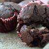 Очень шоколадные кексы с творожным центром