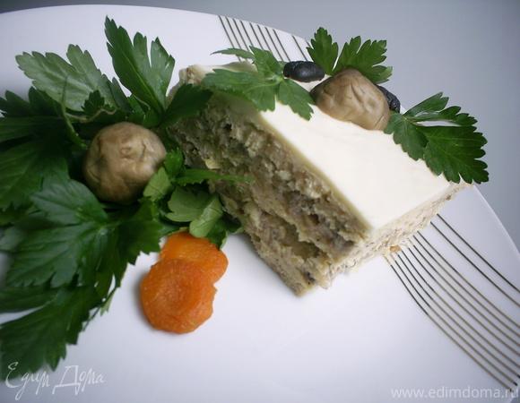 Пикантный мясной торт с грибным кремом и сырно-сливочной заливкой
