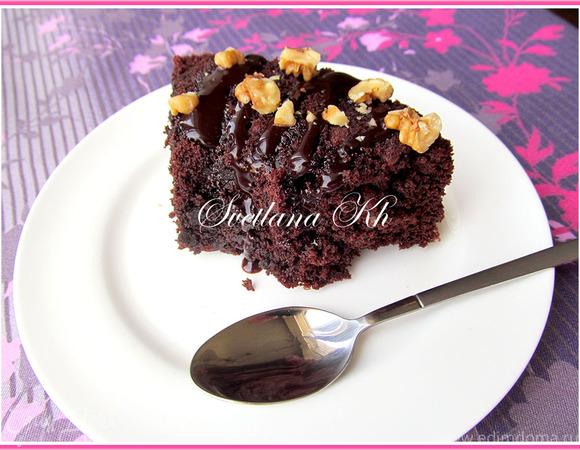Шоколадный кекс-бисквит с орехами