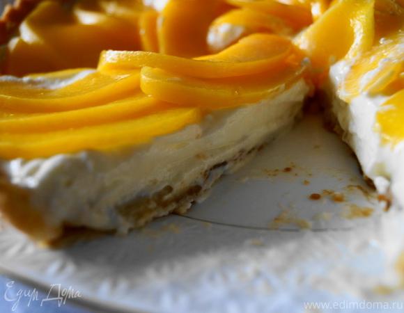 Тарт с маскарпоне и персиками