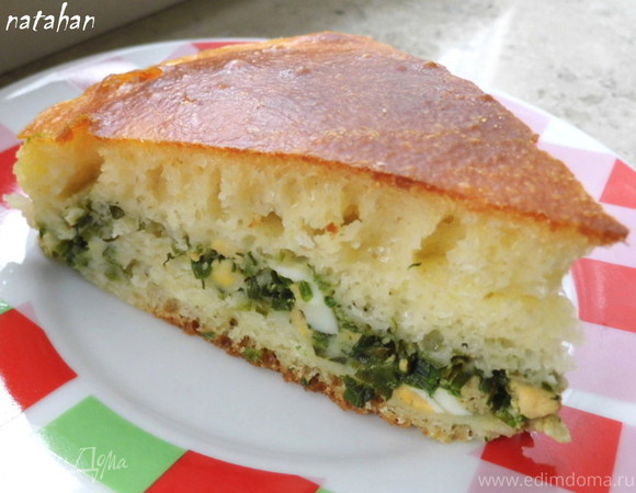 Пирог из дрожжевого оладьевого теста с рыбой и зеленым луком