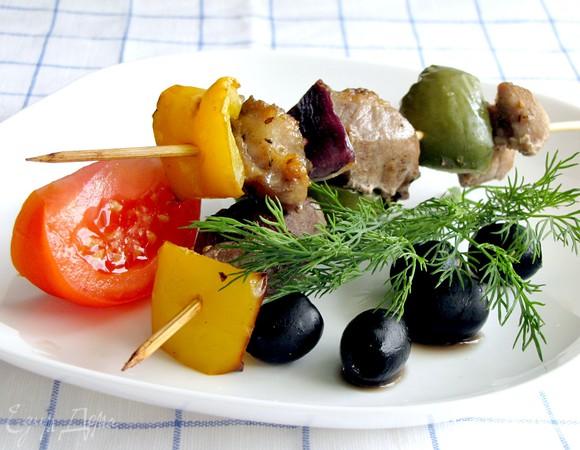 Сувлаки из свинины (греческий шашлык)