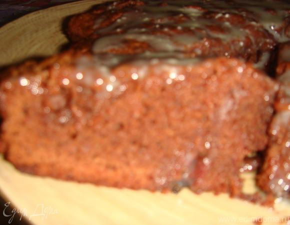 Брауни с клюквой и глазурью из белого шоколада