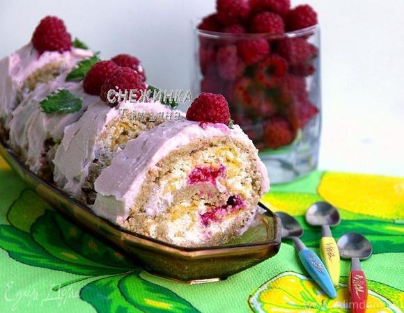 Рулет из овсяных хлопьев с творожно-малиновой начинкой и кремом «Идем за ягодами?!»