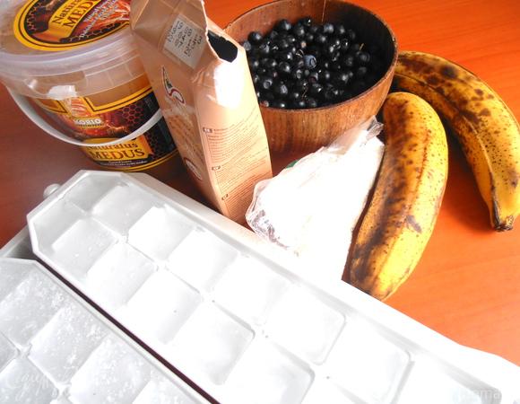 """Бананово-черничный смузи (""""Прохладительные напитки"""")"""