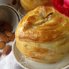 Яблоки с орехово-медовой начинкой, запеченные в слоеном тесте