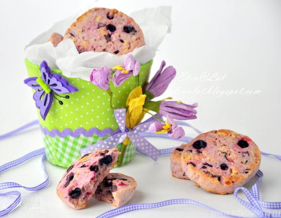 Печенье с черной смородиной и фундуком