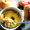 Омлет с оливками и помидоркой
