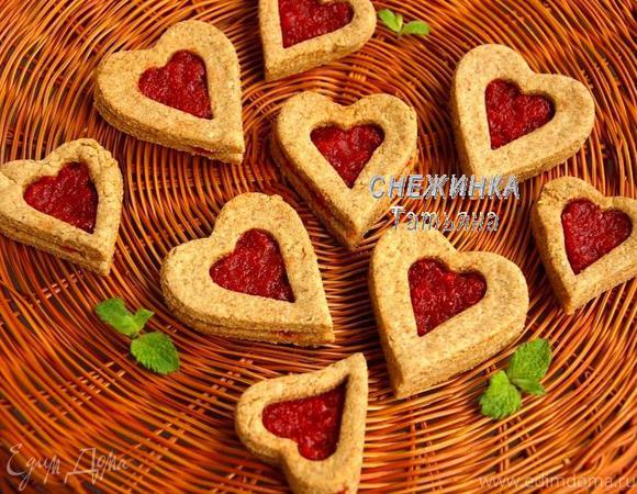 Хрустящее полезное печенье с джемом из вяленой вишни