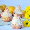 Лимонные маффины с курдом и меренгой