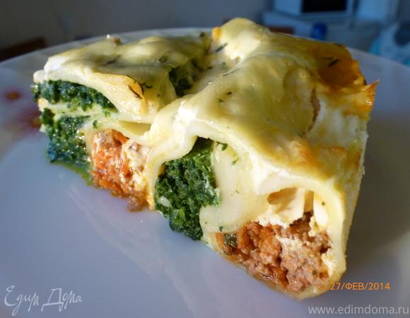 Пирог из каннеллони с мясом и шпинатом