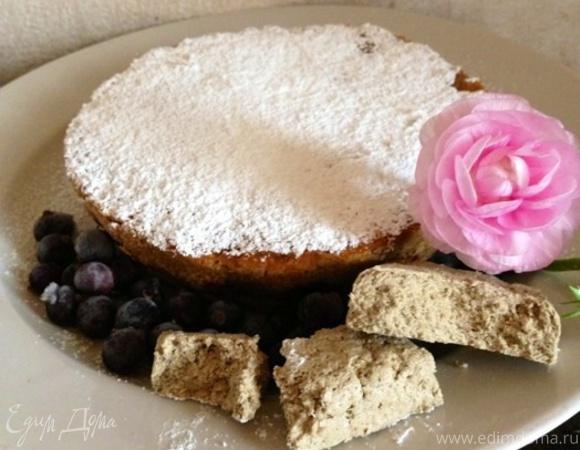 Постный овсяный пирог с халвой и черной смородиной