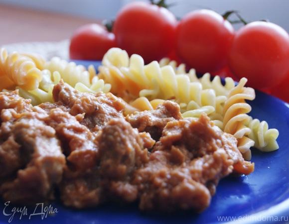 Свинина с томатами в арахисовом соусе